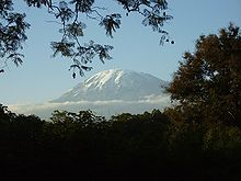 20100428-220px-Kilimanjaro_2006-08-13.jpg