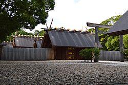 20140111-250px-Atsuta-jinguu_shaden.jpg